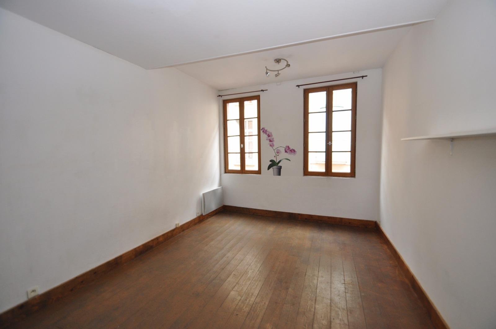 Location appartement perpignan centre ville 2 pi ce de for Location appartement atypique perpignan